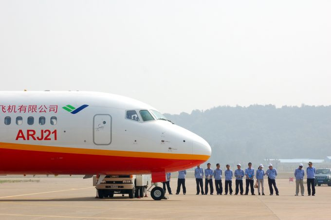 China S ARJ21 Should Scare Boeing And Airbus The Air Current